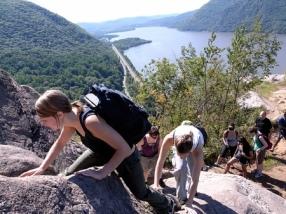 hiking-breakneck